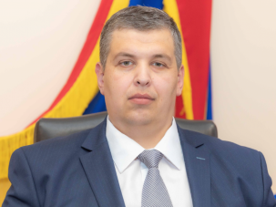DOC/ Fratele unui deputat socialist, promovat de PSRM la funcția de director al Centrului Naţional pentru Protecţia Datelor cu Caracter Personal