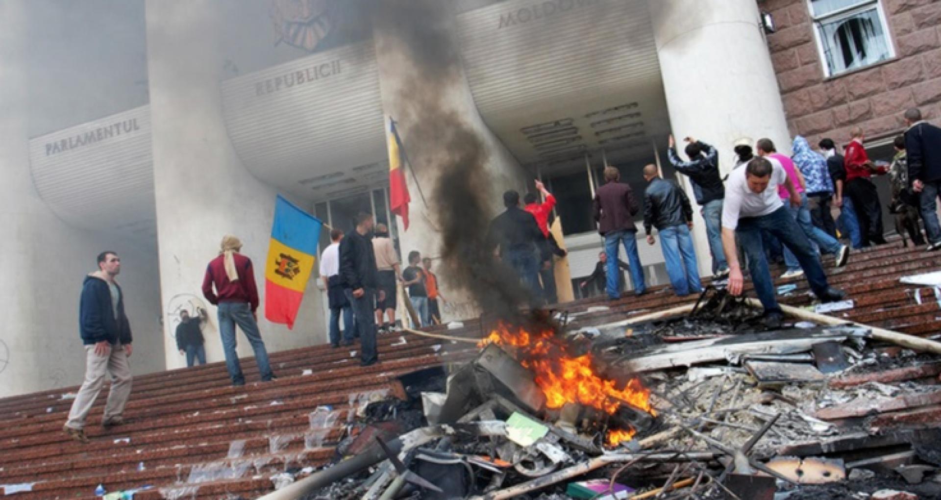 """12 ani de la protestele generației """"7 aprilie 2009"""". Cronologia evenimentelor: cum a început """"revoluția"""""""