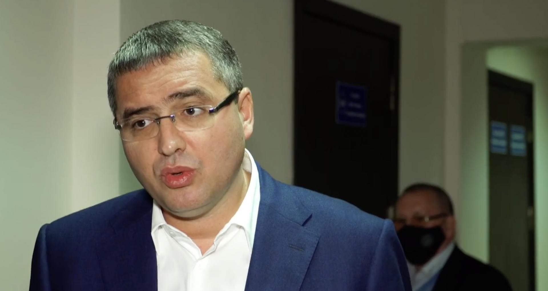 """Președintele """"Partidul Nostru"""" a depus la CEC actele pentru înregistrarea blocului electoral Renato Usatîi"""