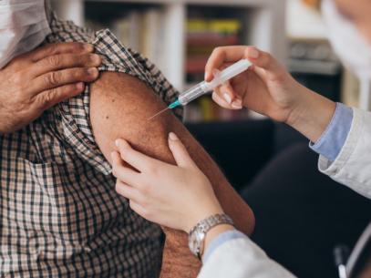 În ultimele 24 de ore în centrele de imunizare din țară au fost administrate 19 076 doze de vaccin împotriva COVID-19