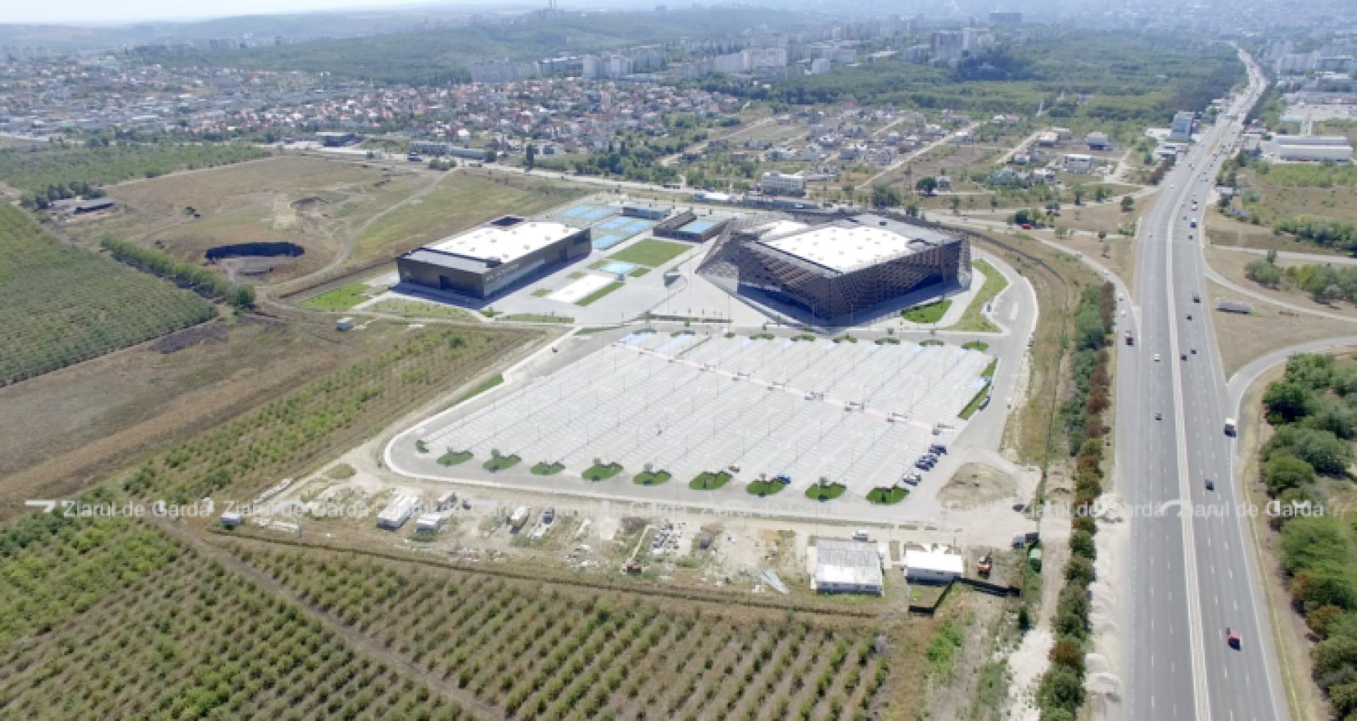 VIDEO/ Chișinău Arena: Procesul-verbal de recepție a lucrărilor complexului sportiv urmează să fie semnat marți, 18 mai. Pentru conservarea obiectului statul trebuie să găsească până la 10 milioane de lei pe an. Problema căilor de acces, în continuare fără soluții
