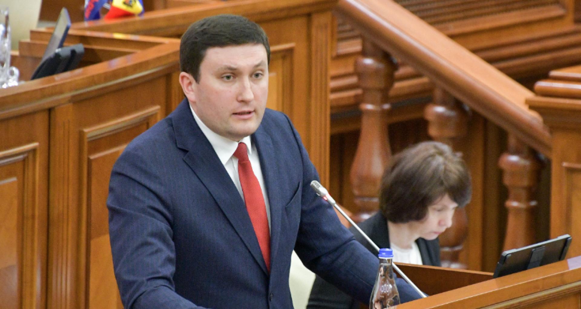 Deputatul socialist Vladimir Odnostalco, verificat de ANI și nesancționat pentru nedeclararea împrumutului de 450 de mii de lei luat de la firma lui Furculiță. Explicațiile ANI