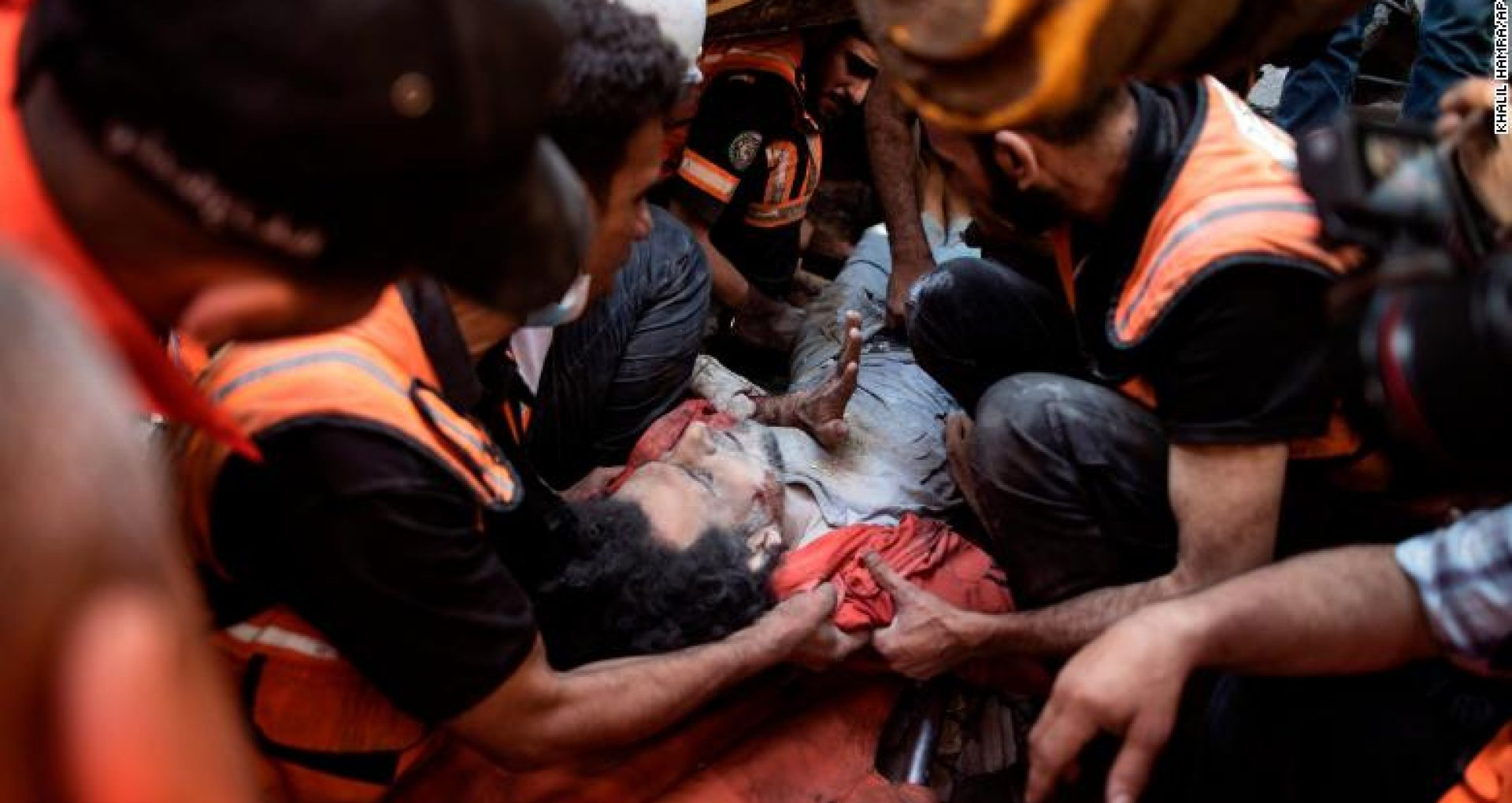VIDEO/ Două atacuri aeriene israeliene au ucis cel puțin 43 de palestinieni, inclusiv opt copii și au rănit alți 50 de oameni, majoritatea femei și copii