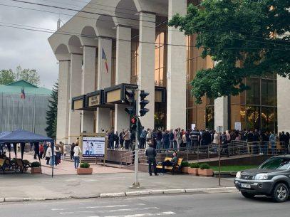 Un nou maraton de vaccinare se va desfășura sâmbătă la Palatul Republicii. Doritorii se vor putea imuniza cu serurile Sputnik V, AstraZeneca și Sinopharm
