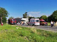 FOTO/ Trei cetățeni ai R. Moldova, printre care și un copil, și-au pierdut viața în urma unui accident produs în România: un alt copil, transportat la spital