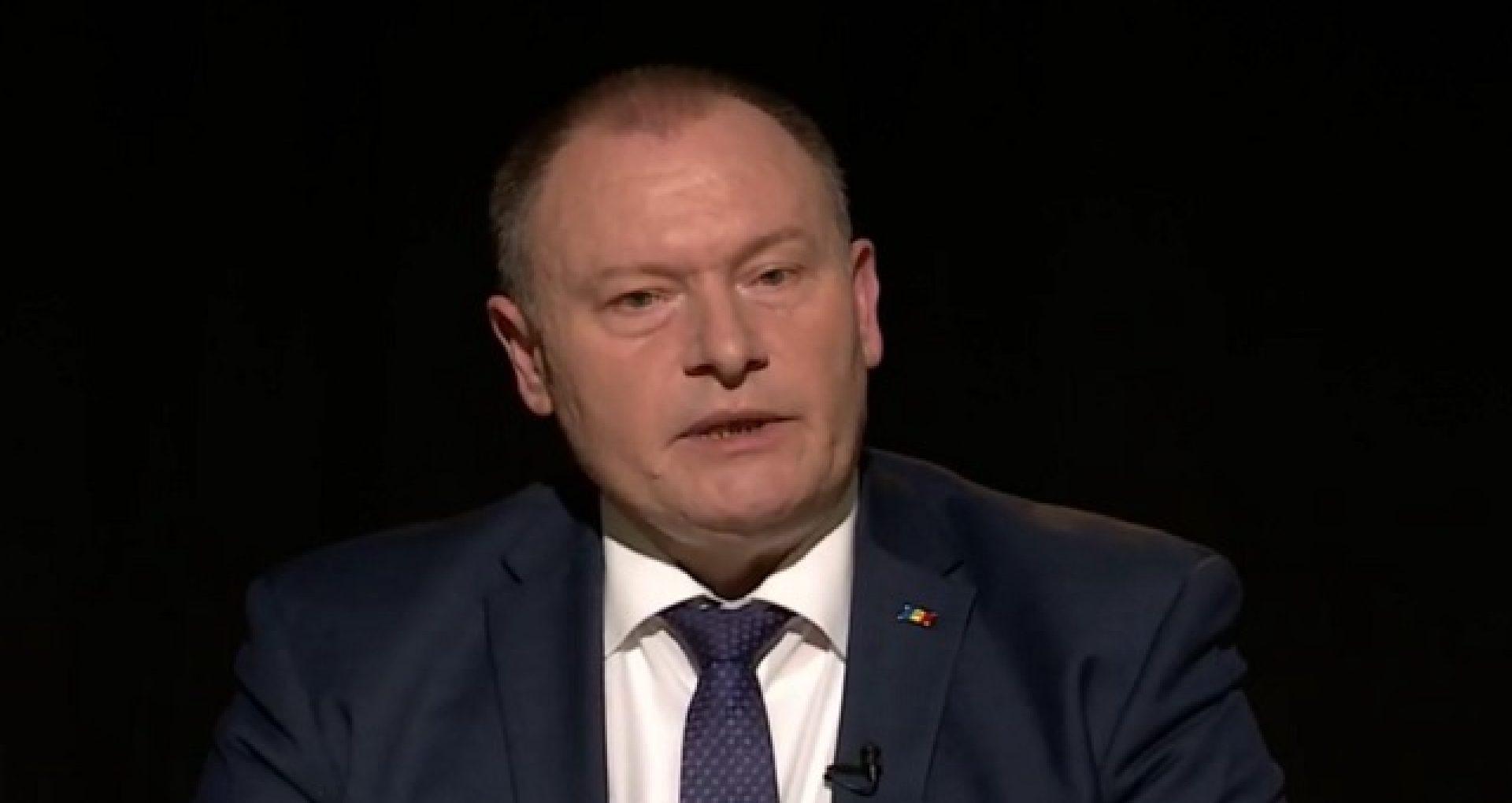 """Premierul interimar susține că nu există limite financiare, pentru a deschide orice număr de secții de votare în diasporă, pe care le poate acoperi Ministerul de Externe prin resurse logistice proprii: """"În diasporă, există multă lume care ar fi de acord să lucreze fără a fi remunerată"""""""