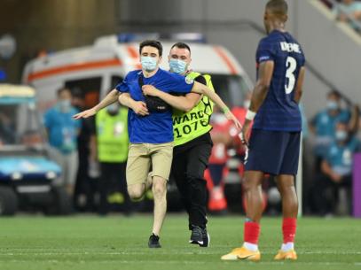 FOTO/ Prima declarație a suporterului în tricoul R. Moldova care a intrat pe teren la meciul Franța – Elveția, de la București