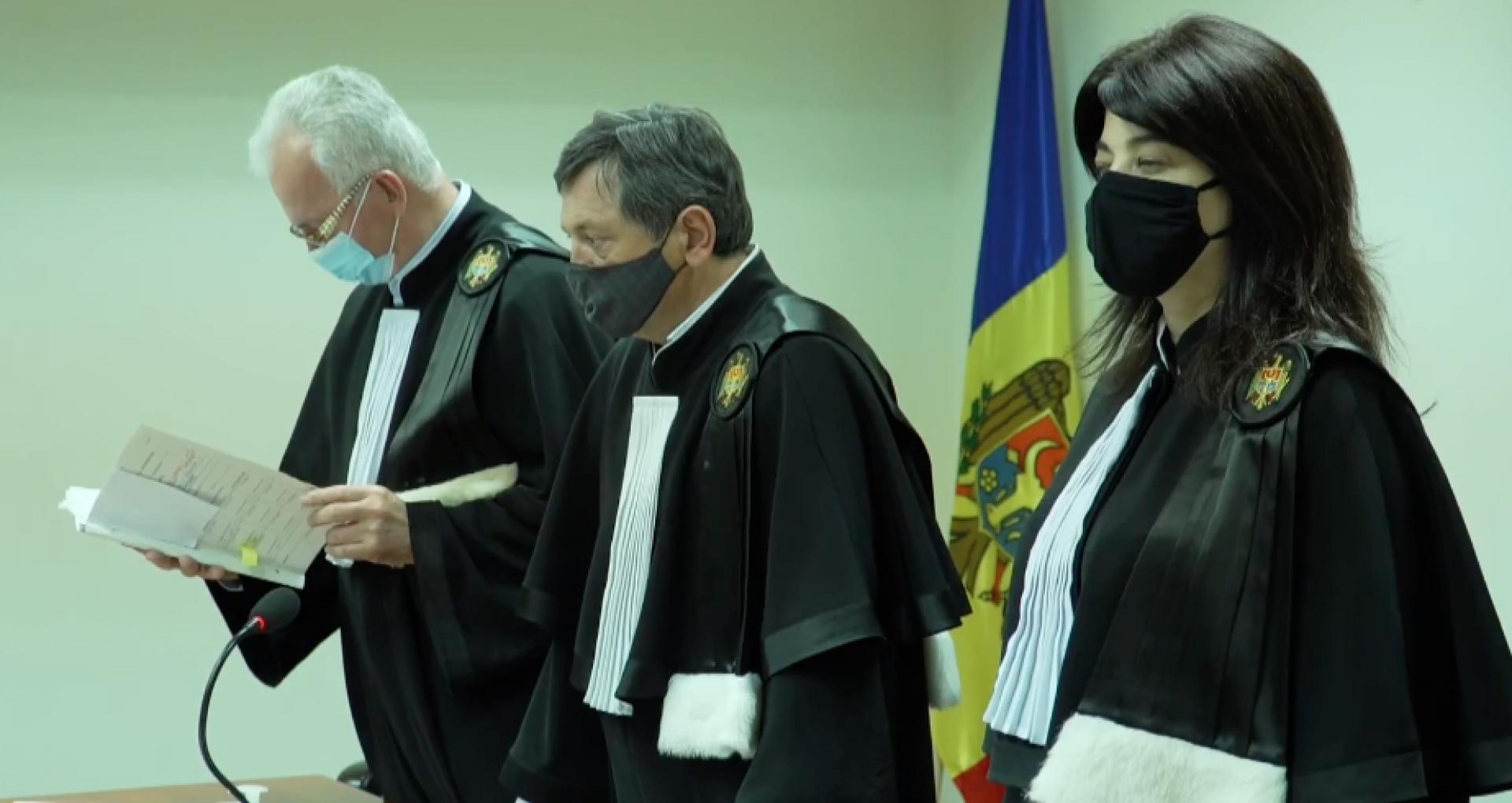 Ședința de la Curtea de Apel cu privire la numărul secțiilor de vot în străinătate continuă: în 6 ore au fost examinate și respinse două cereri de recuzare, iar acum continuă examinarea cauzei