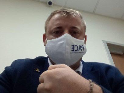 VIDEO/Liderul Partidului PACE, Gheorghe Cavcaliuc, a fost reținut în aeroportul Sheremetievo din Moscova. Declarațiile colegilor de partid
