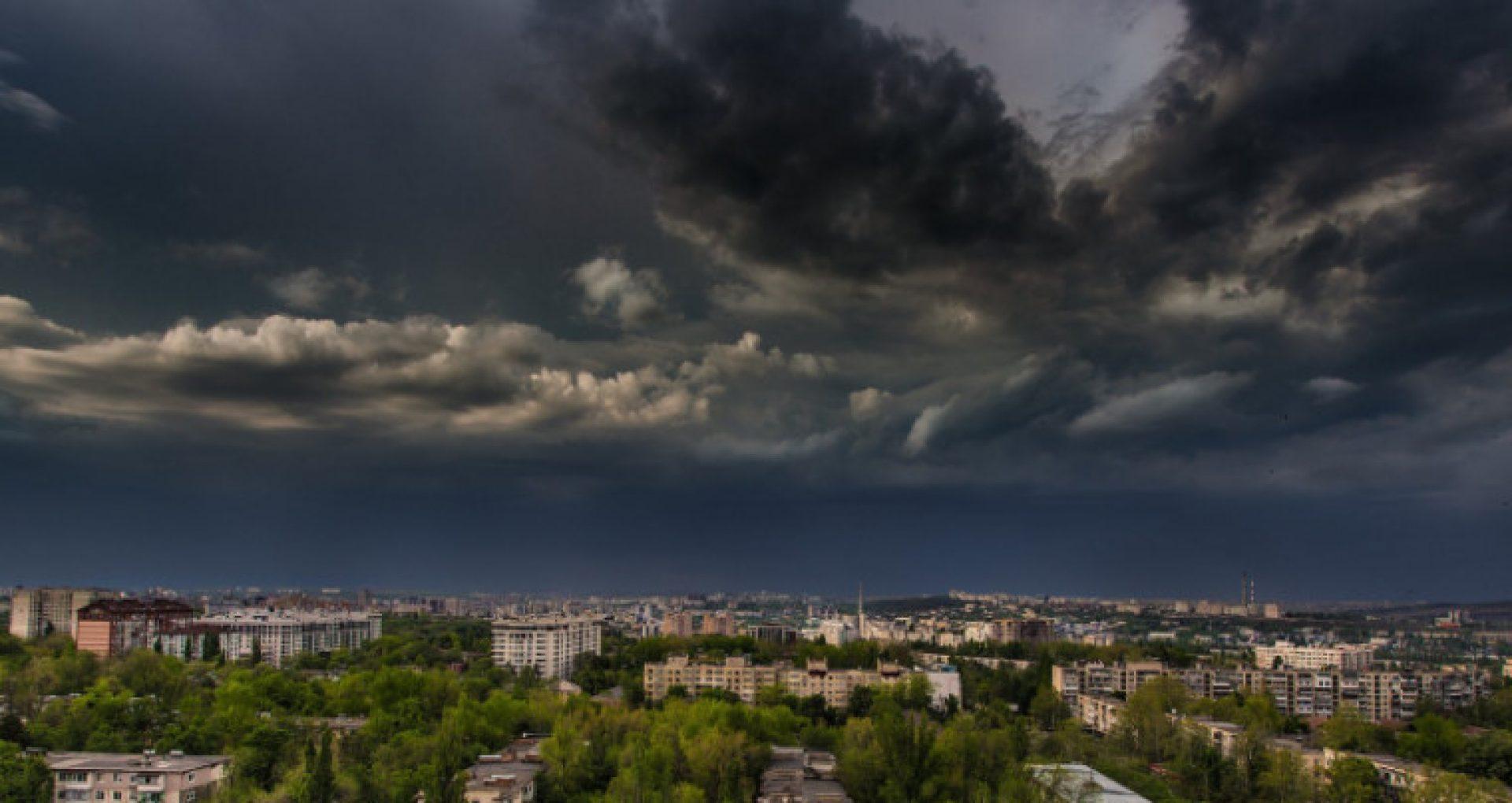 Meteorologii au emis cod galben de instabilitate atmosferică