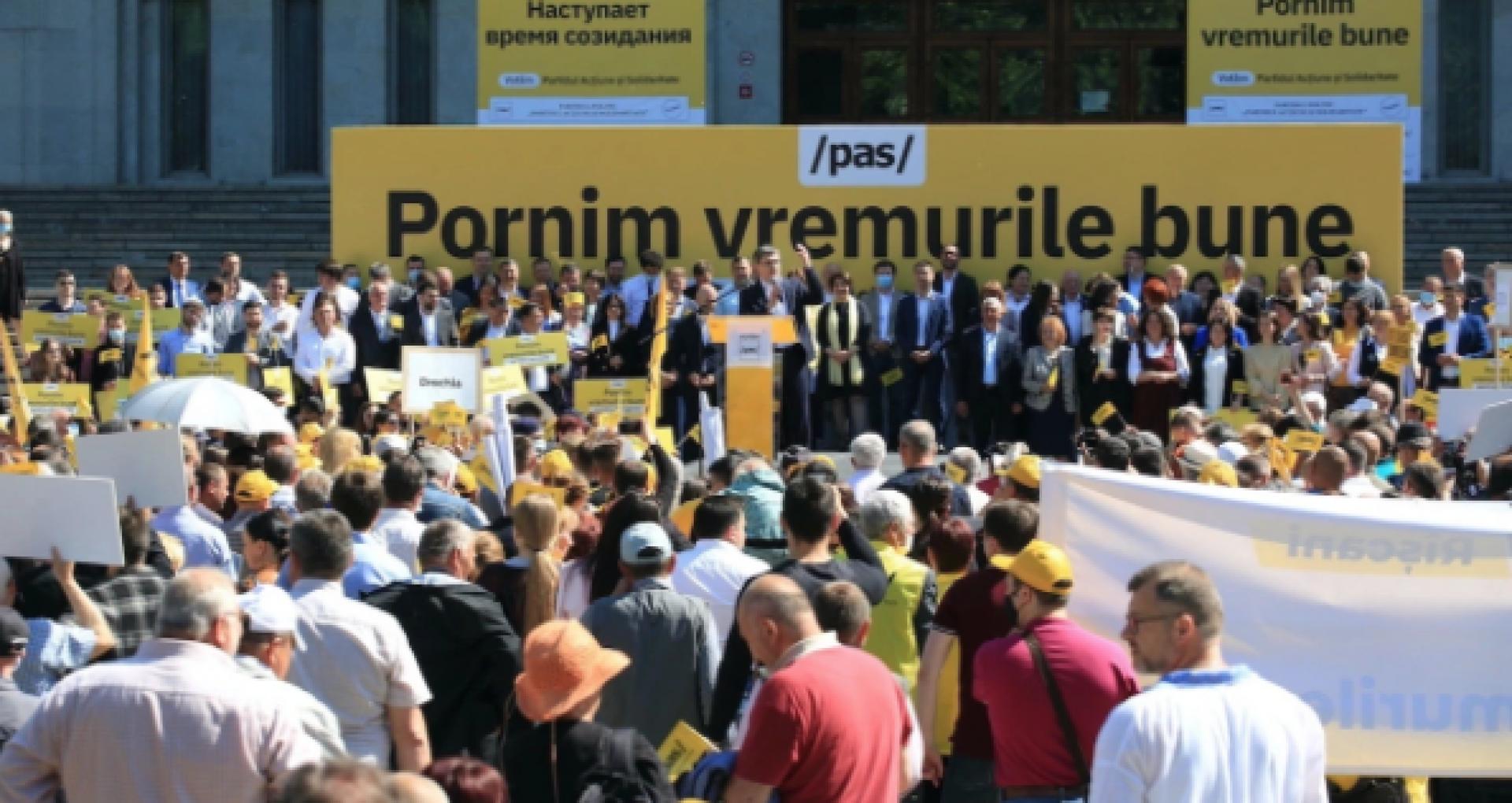 """Primele trei priorități ale PAS, anunțate după ce formațiunea a luat majoritatea absolută în Parlamentul de la Chișinău: """"Avem pregătită garnitura guvernamentală"""""""