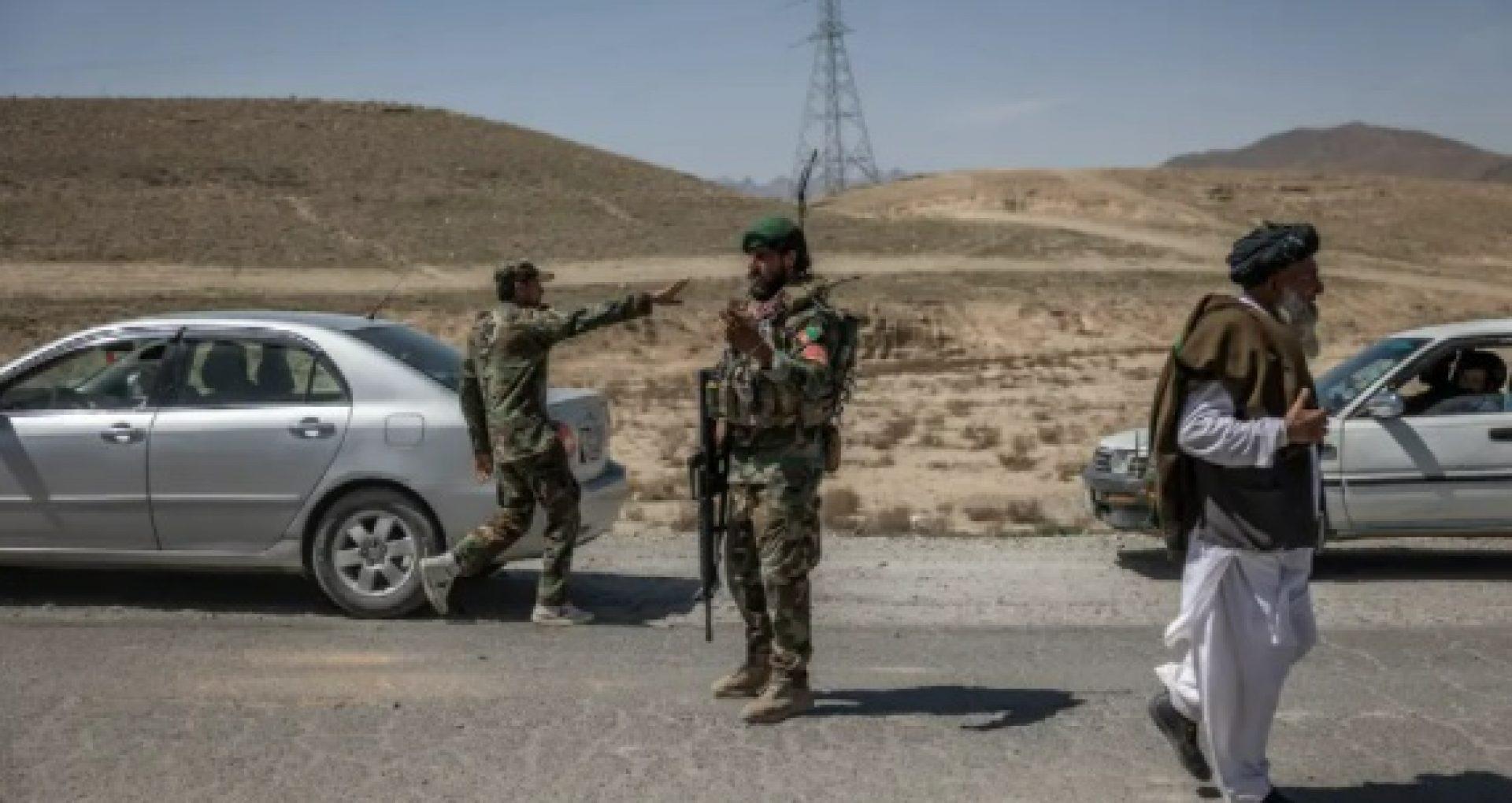 Afganistan: Interdicţie de circulaţie pe timp de noapte în 31 din cele 34 de provincii, din cauza ofensivei talibanilor