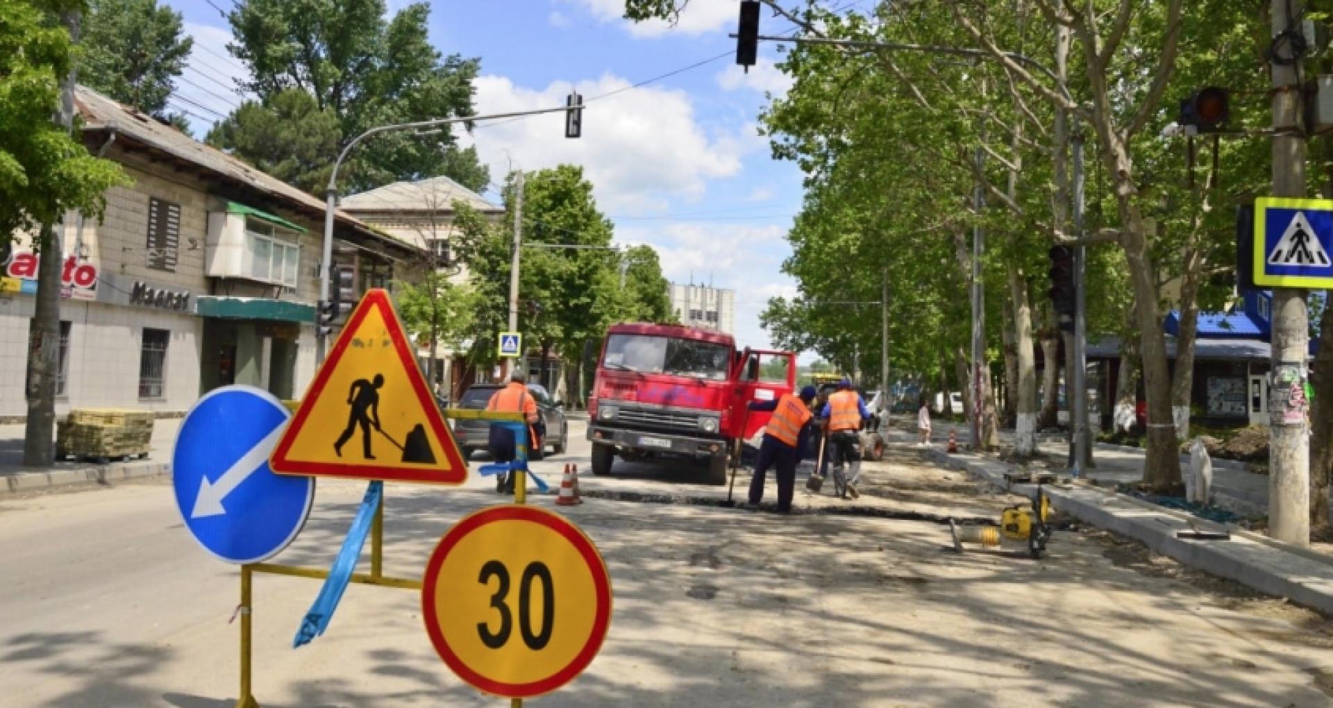 Important pentru cei care locuiesc în sectorul Buiucani. Traficul rutier pe strada Ion Creangă, suspendat în acest weekend. Cum va circula transportul public