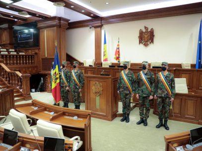 GALERIE FOTO/ Pregătiri la Parlament. Președinta R. Moldova urmează să semneze decretul cu privire la convocarea ședinței de constituire a Legislativului