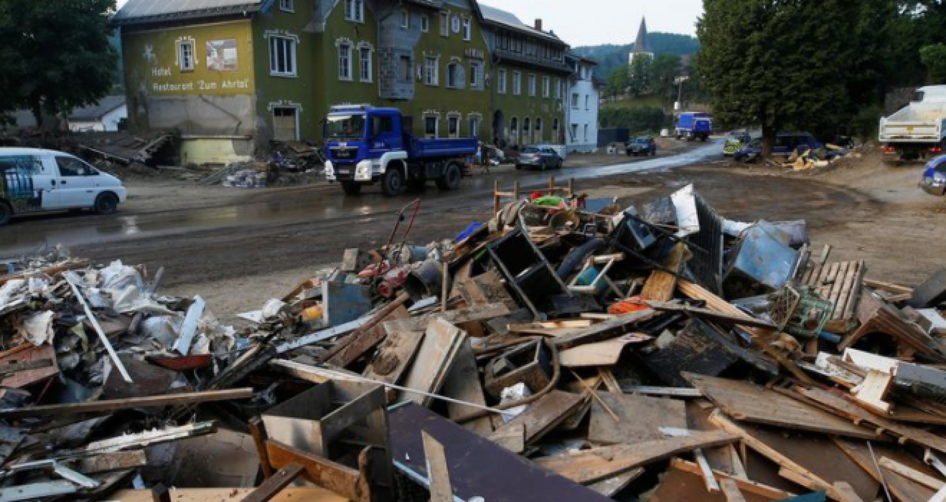Imagini cu dezastrul din Germania. Inundațiile catastrofale au lăsat în urmă daune de 2 miliarde de euro doar la infrastructura rutieră