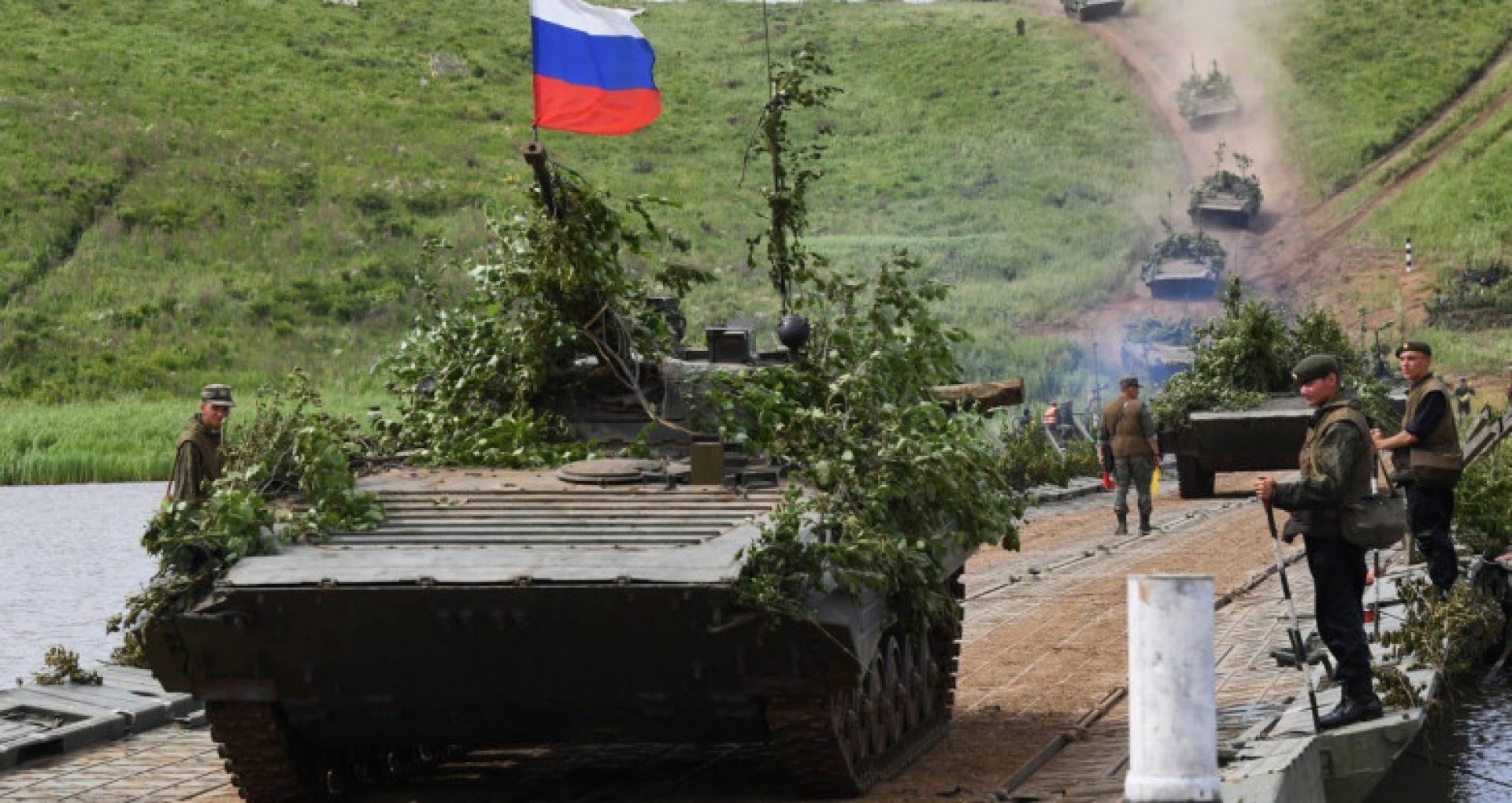 Rusia a adus tancuri în apropierea graniței Tadjikistanului cu Afganistan