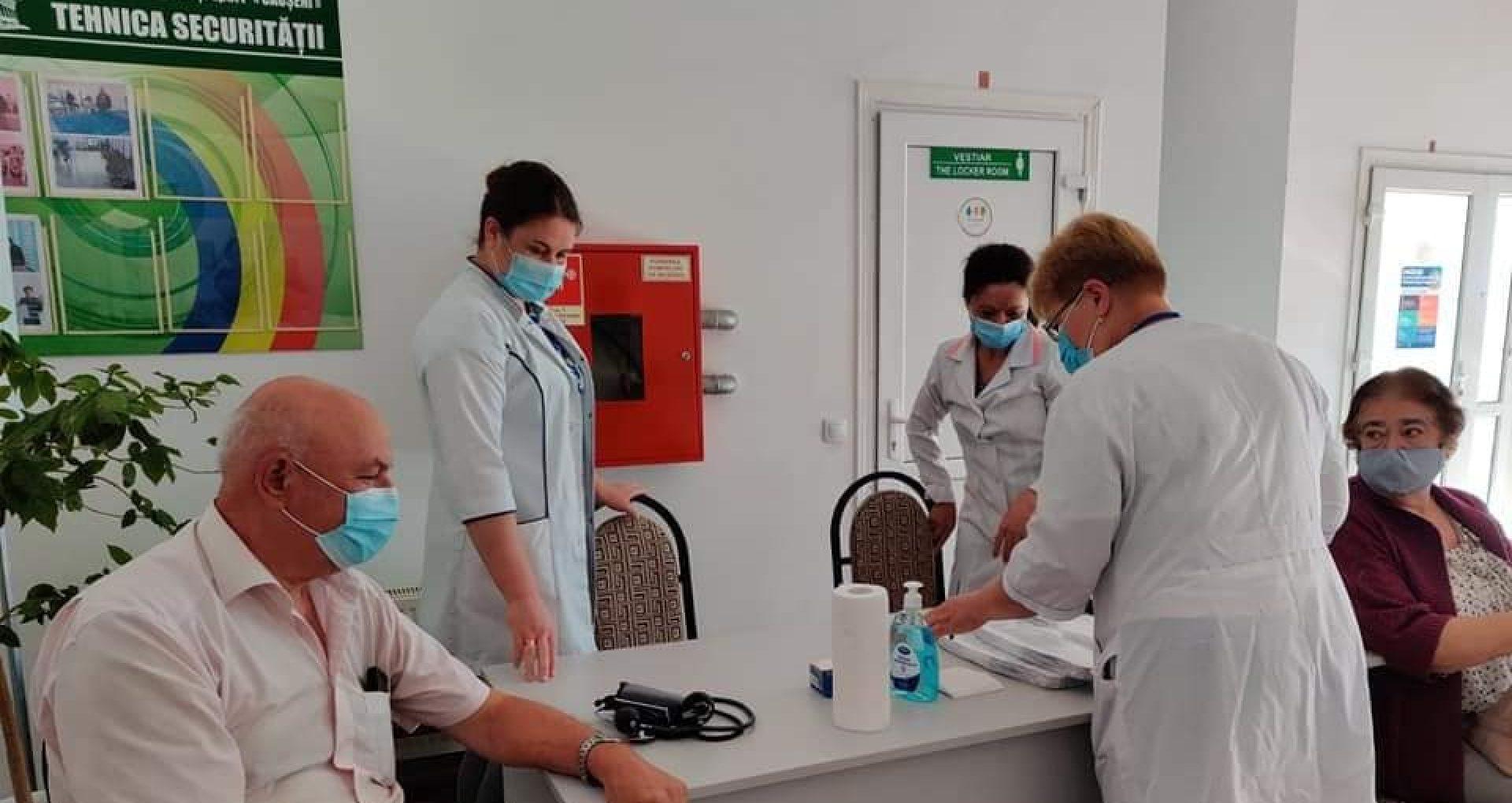 FOTO/ 300 de persoane au fost vaccinate împotriva COVID-19 la maratonul vaccinării la Căușeni, până la amiază