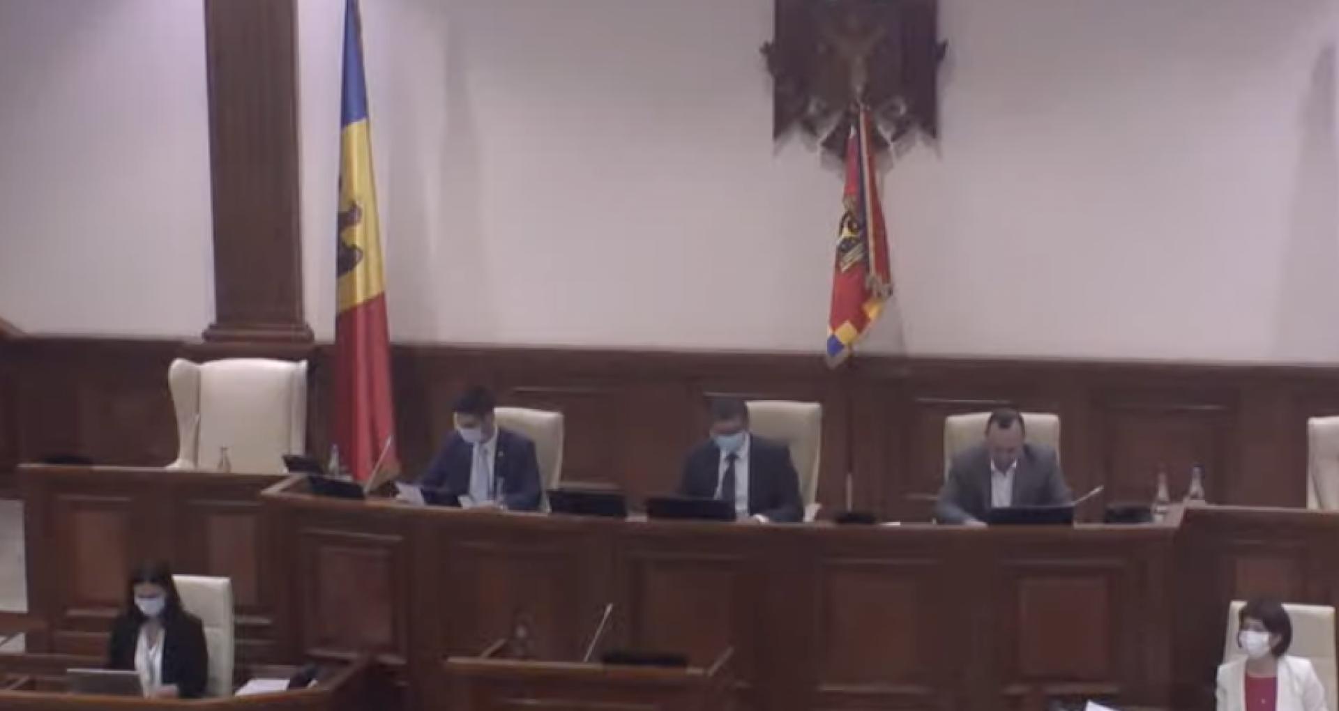 ULTIMA ORĂ! De la patru, la doi: au fost aleși vicepreședinții Parlamentului – unul de la PAS și unul de la BECS