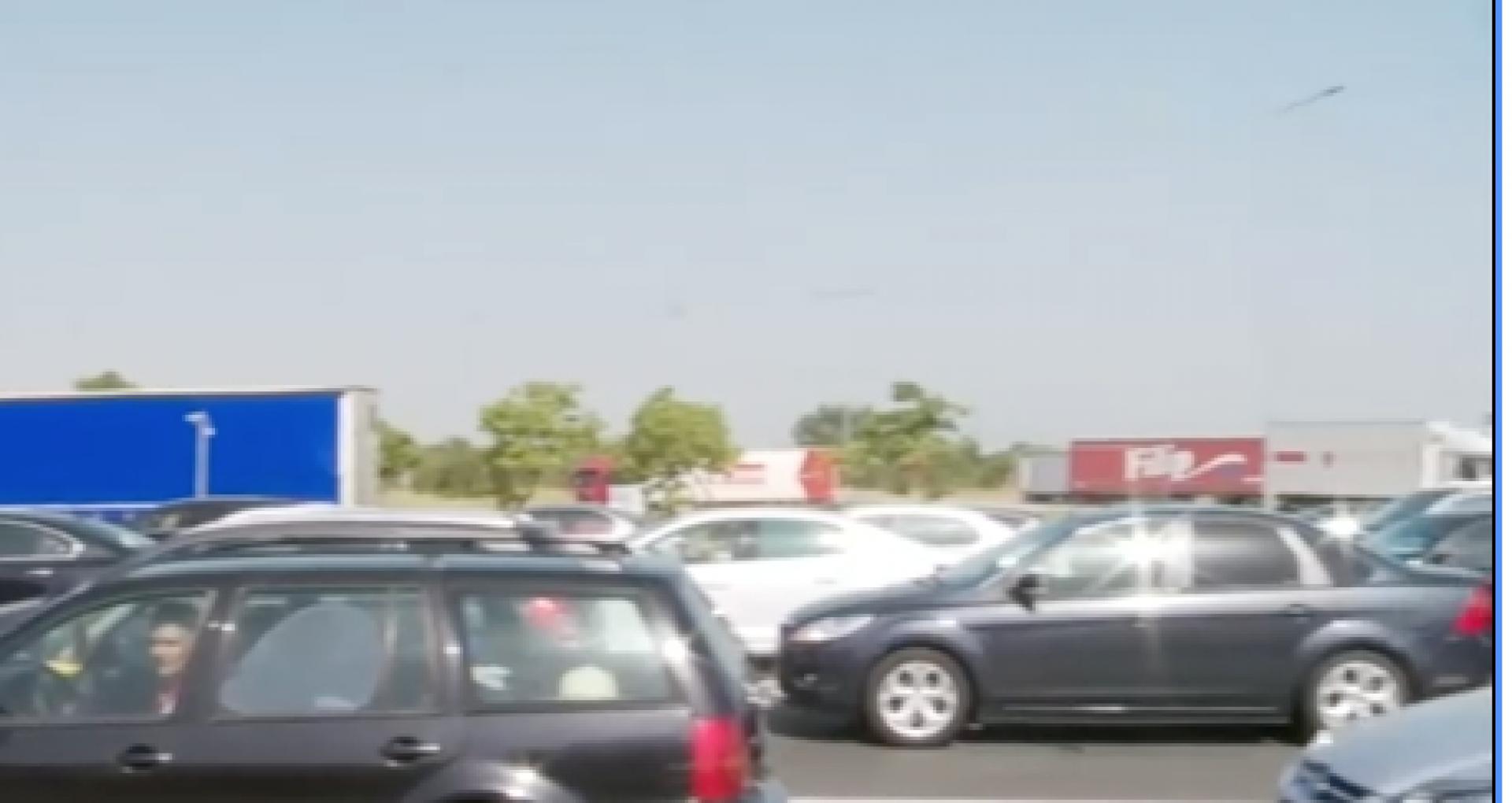 """Românii care au plecat în vacanță stau la cozi kilometrice la intrarea în Bulgaria: """"Murim aici în trafic"""". Explicațiile autorităților"""