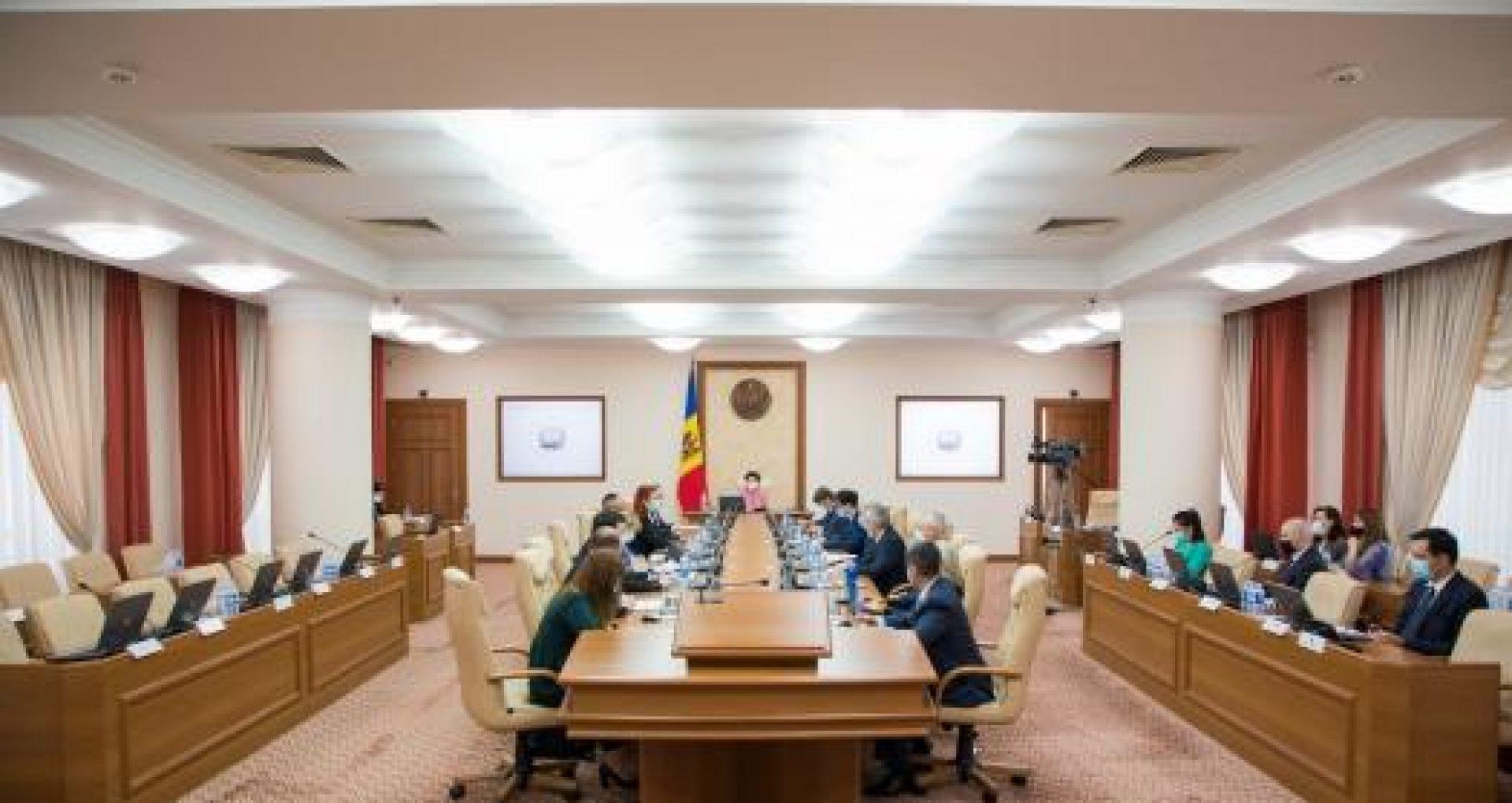 DOC/ Persoanele fizice din R. Moldova ar putea cumpăra direct valori mobiliare de stat. Proiectul de hotărâre, aprobat de Guvern