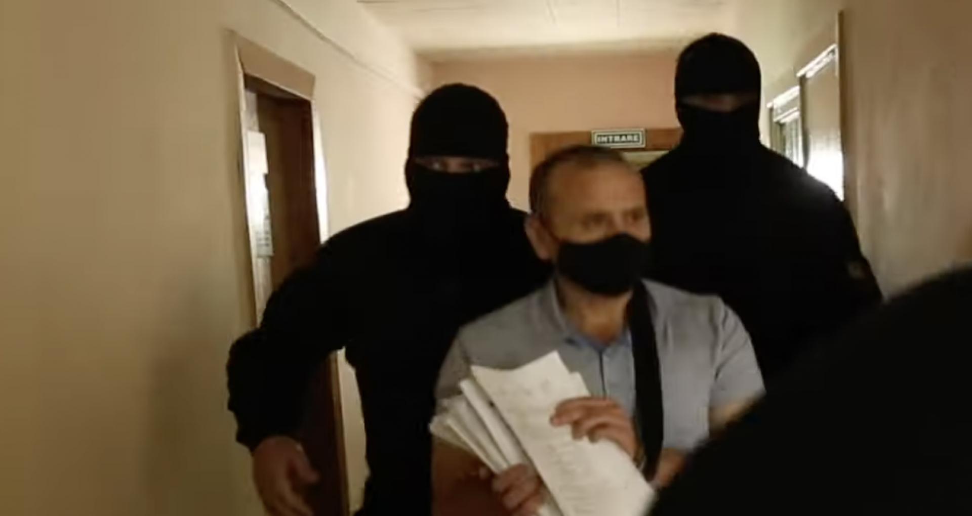 Demersurile de prelungire a arestului pe numele președintelui Asociației FEA, Dorin Damir și pe numele șefului IP Bălți, depuse de procurori