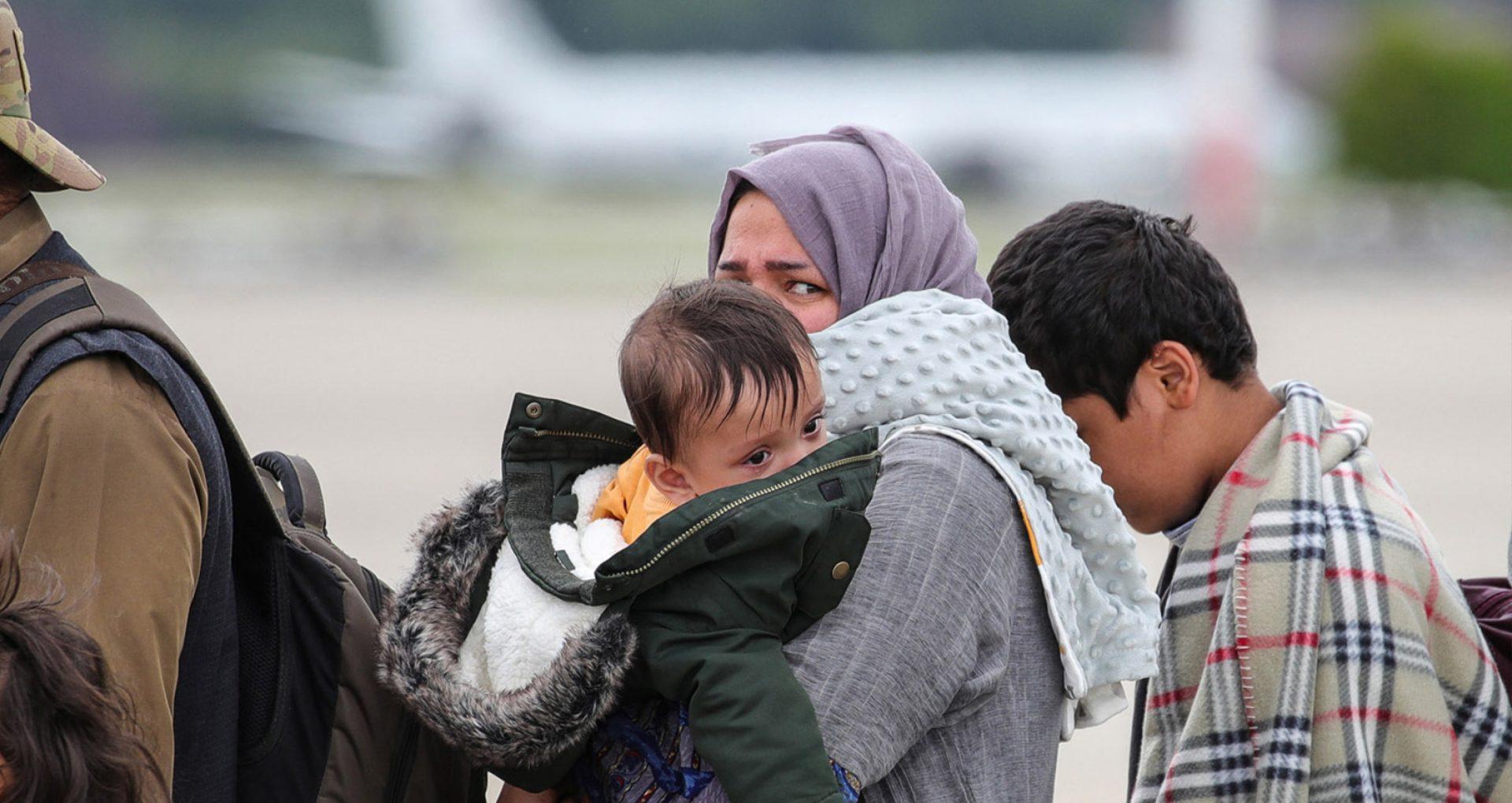 Parlamentul European solicită un program special de vize pentru femeile afgane care solicită protecție