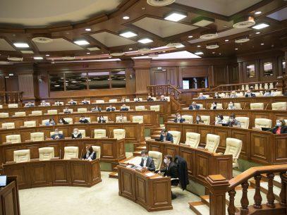 VIDEO/ Deputații care se află la primul mandat de parlamentar, instruiți în plenul Legislativului cu privire la statutul și funcțiile Parlamentului