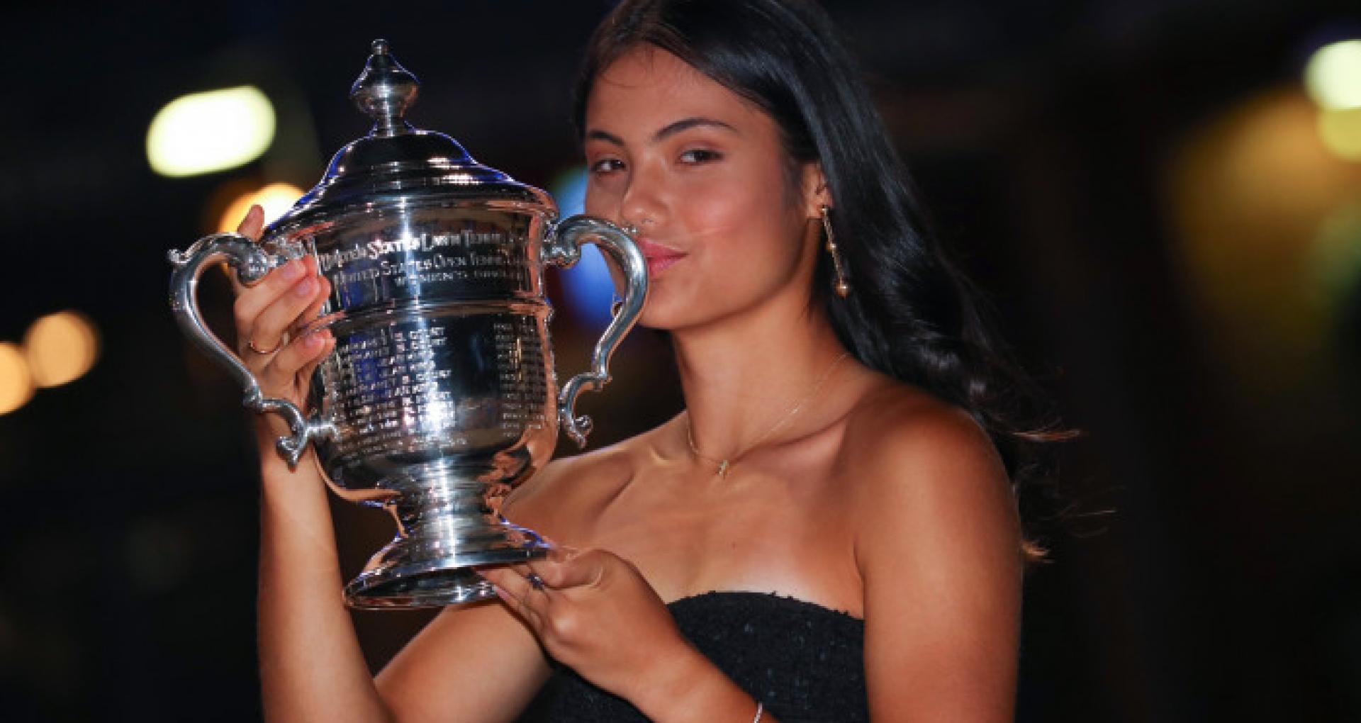 """The Guardian: Emma Răducanu, câștigătoarea US Open, """"o fată de miliarde"""": """"Acesta e începutul unei povești fabuloase"""""""