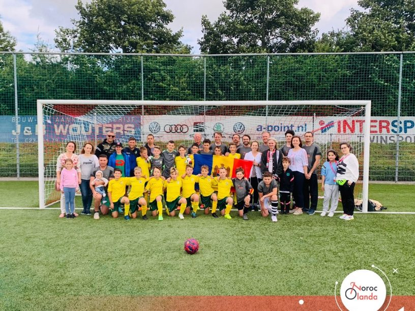 """Comunitatea """"Noroc Olanda"""" a organizat o tabără de fotbal pentru echipa de băieți de la CS Atletic Strășeni"""