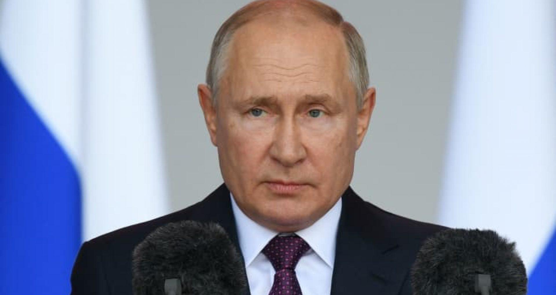 Președintele Federației Ruse a intrat în izolare după ce câțiva membri ai anturajului său s-au infectat cu COVID-19