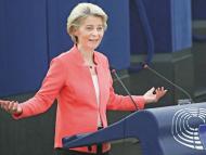 Comisia Europeană cere statelor membre să îmbunătățească siguranța jurnaliștilor în întreaga UE: a anunțat că va prezenta în 2022 o lege europeană privind libertatea mass-mediei pentru a proteja independența instituțiilor media