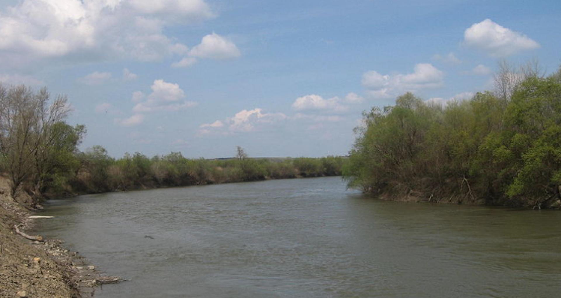 Cod galben de scurgere scăzută a apei în bazinul râului Prut. Cetățenii, îndemnați să consume rațional rezervele de apă