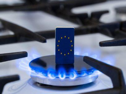 Comisia Europeană, la presiunea statelor membre, va investiga dacă furnizorii de gaze naturale manipulează piața europeană