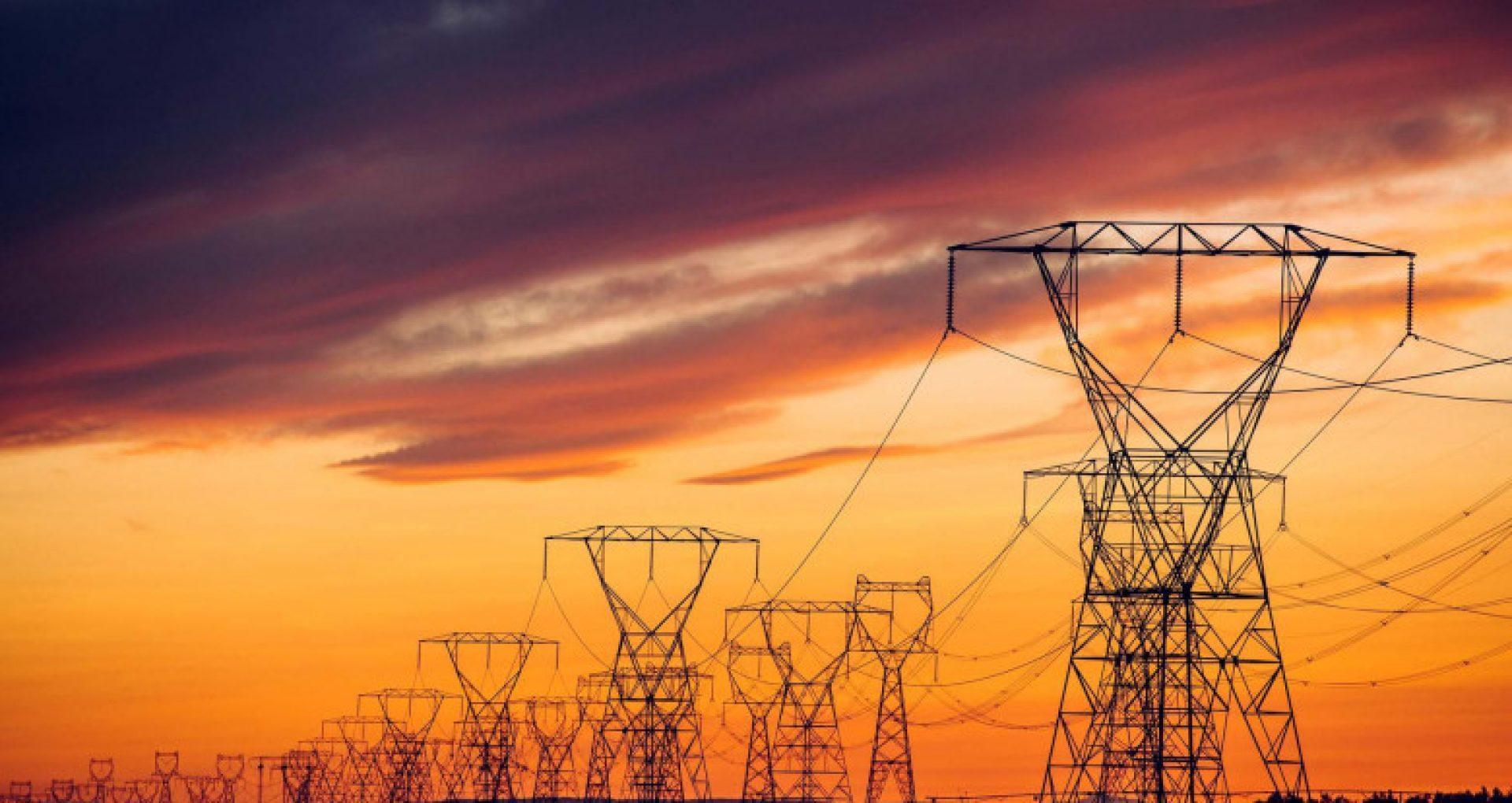 România a importat marţi peste 2 100 de MW de electricitate. Preţul pe bursă a ajuns la un nou record istoric